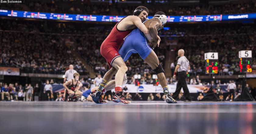 No  10 Wrestling Captures Two Wins Friday Night at CSU Bakersfield