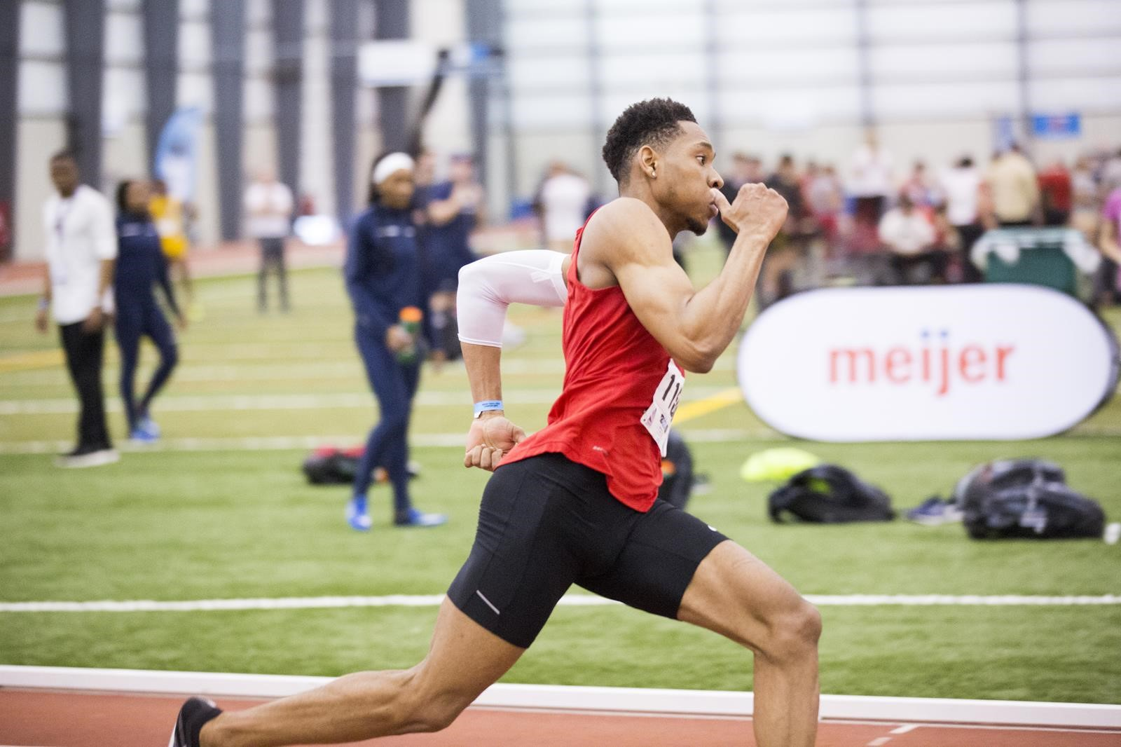 Men's T/F Kicks Off Weekend at SPIRE Institute Invitational and David Hemery Valentine's Invitational
