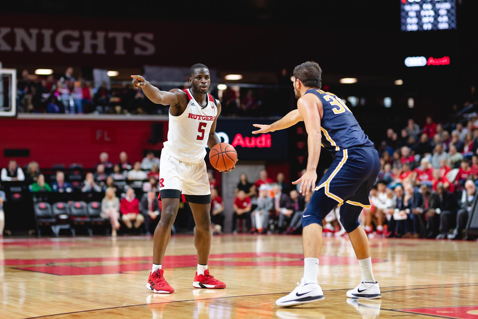 scarletknights.com - Men's Basketball Extinguishes the Dragons